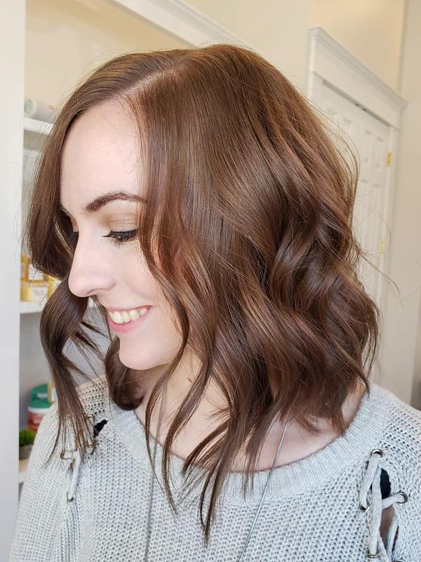 Short wavy chestnut brown hair