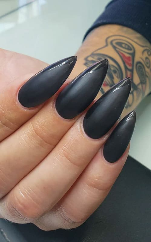 22 Amazing Black Nails Designs That will amaze you (1)