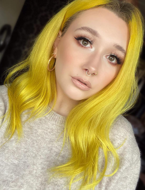 25 Amazing Yellow Hairstyles and Color Ideas 2022 (2)
