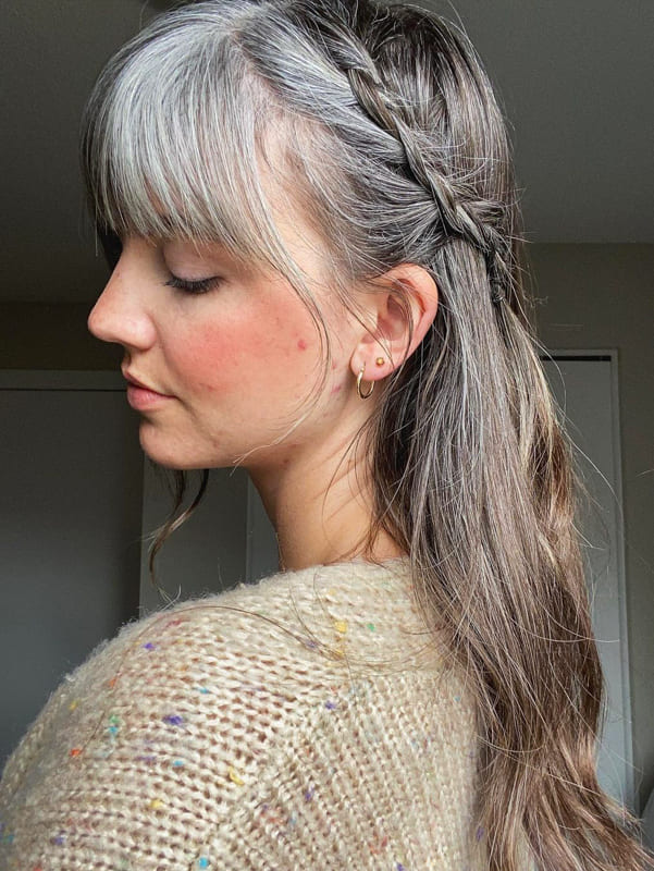 26 Lovely Silver Hair Tips And Ideas for Women 2022 (2)