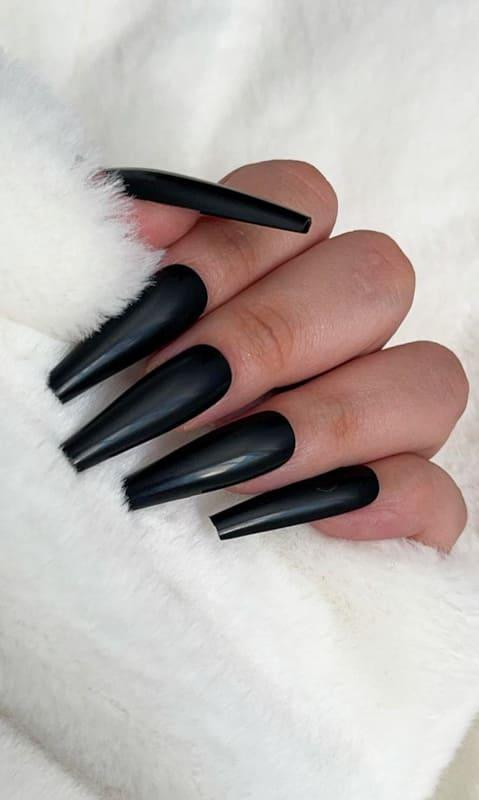 Black press on nails