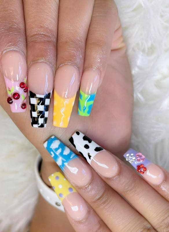 Coffin shaped french nails
