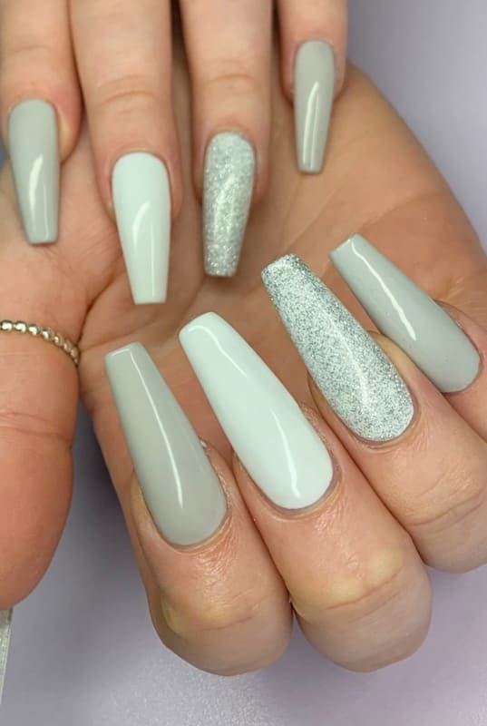 Gray and glitter coffin nails