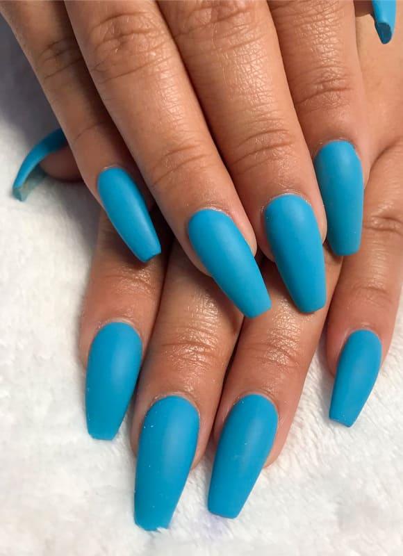 Long matte blue nails