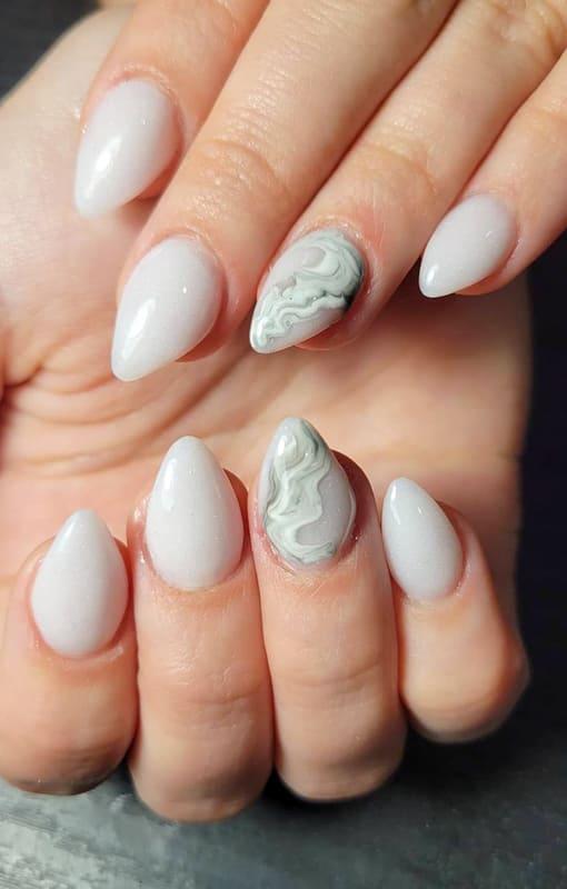 Short gray marble nails