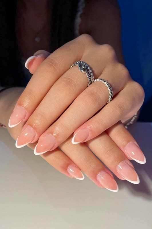 White almond french tip nails