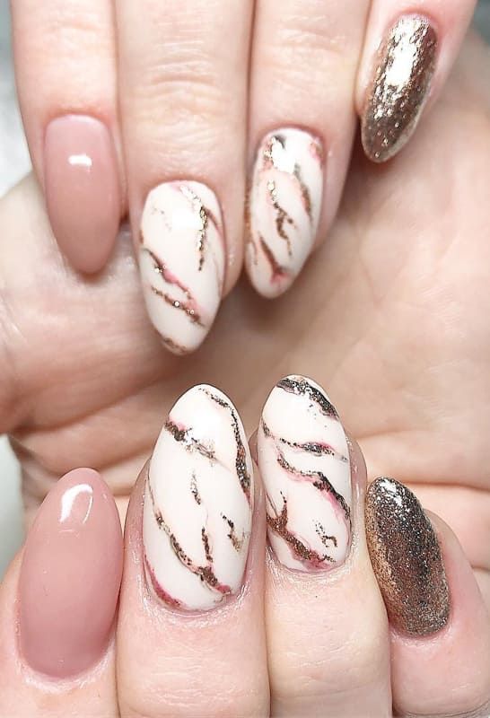 Rose gold marble nails